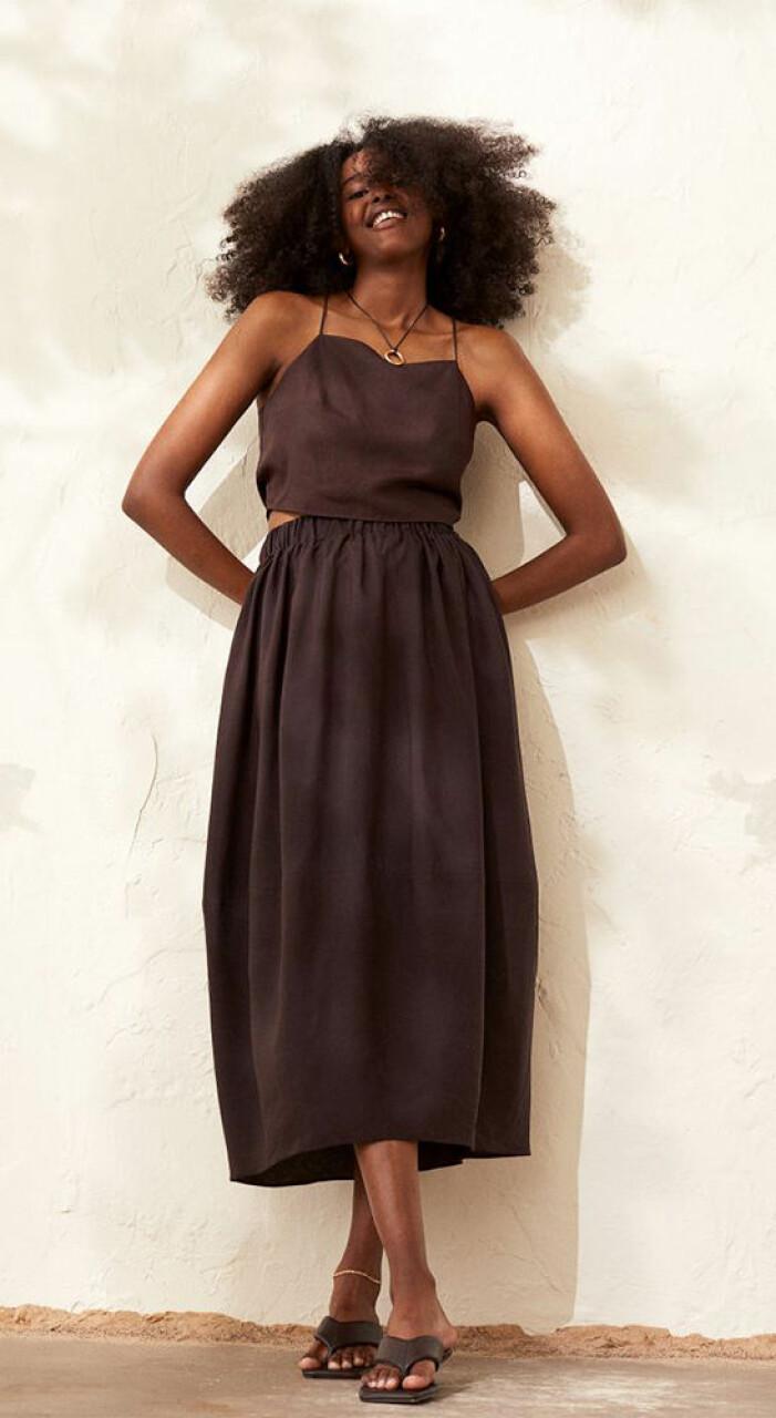 brunt set i lyocell och linne