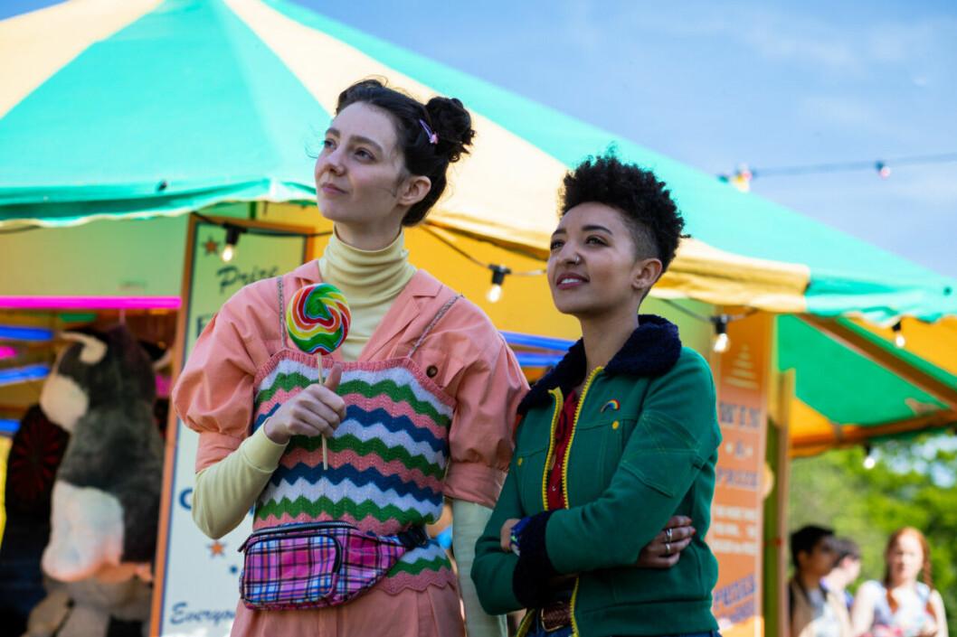 En bild på skådespelarna i tv-serien Sex Education på Netflix.