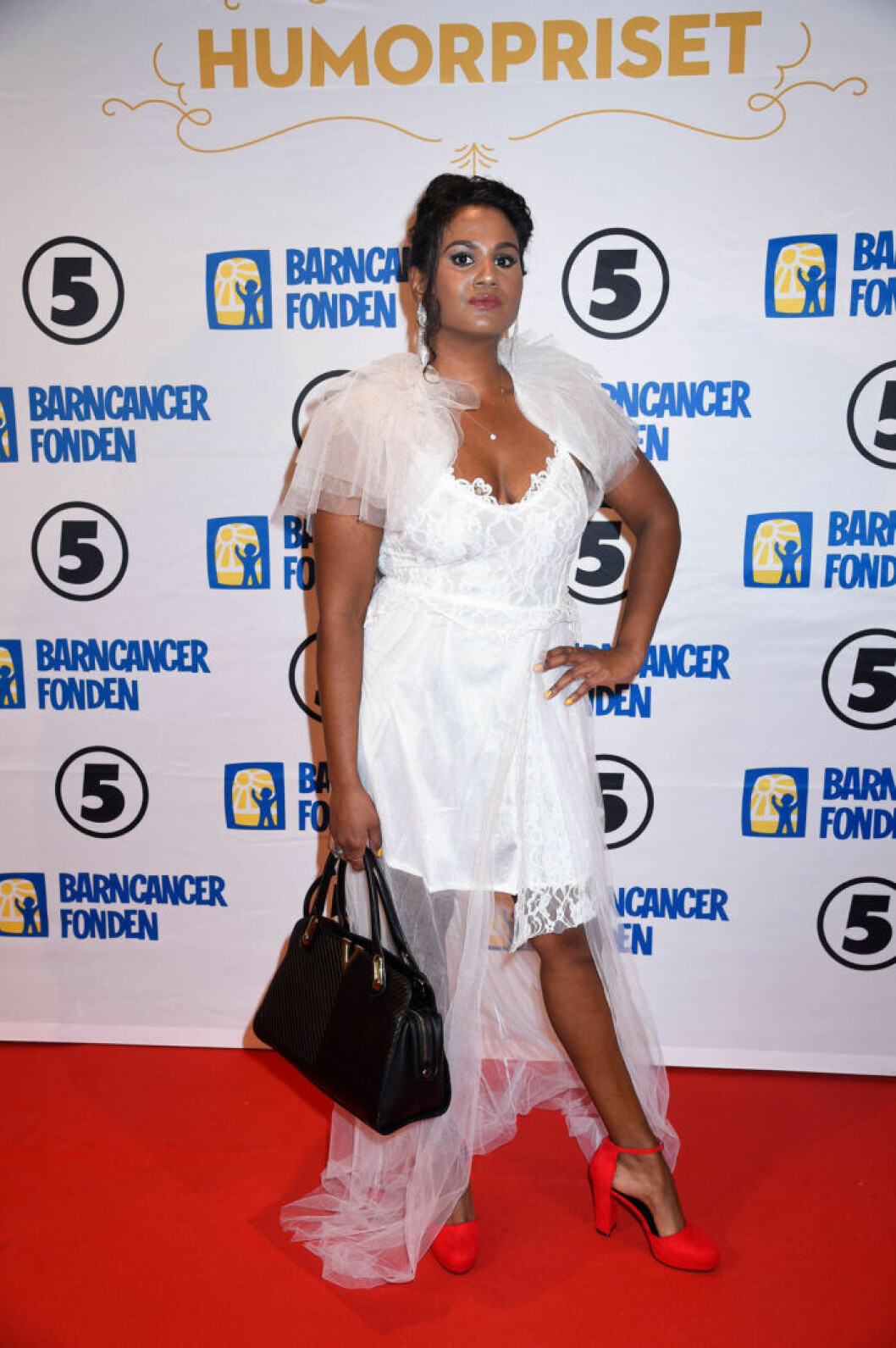 Shanthi Rydwall Menon på röda mattan på Barncancergalan 2019