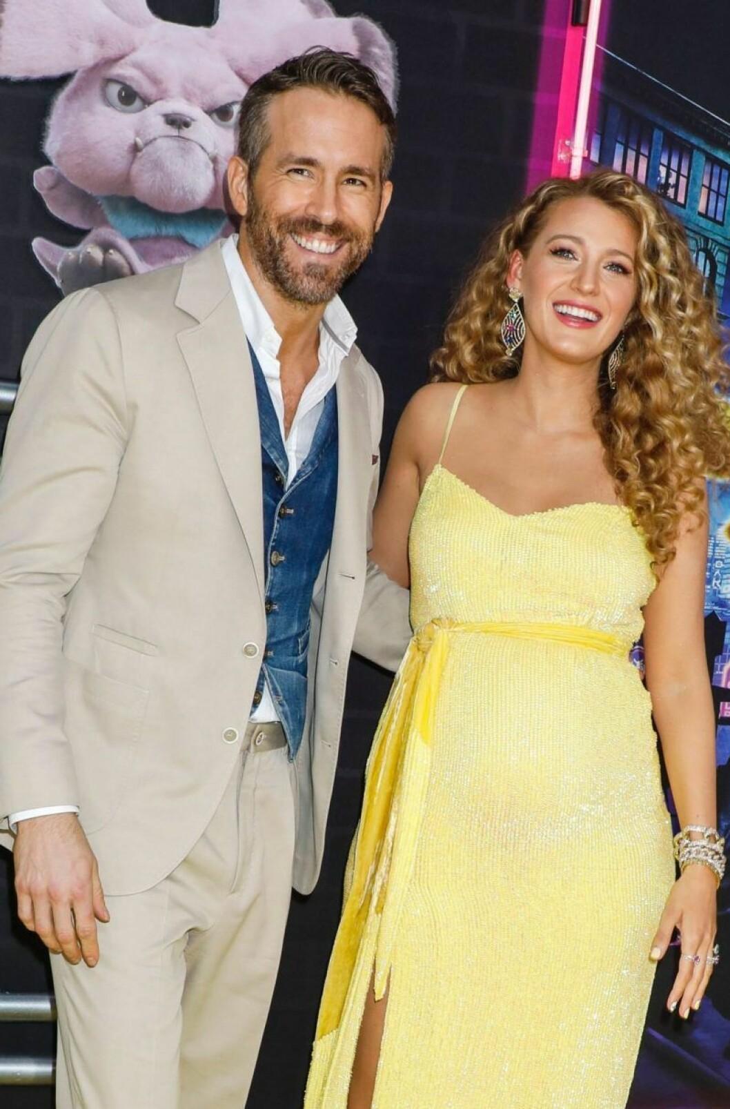 Blake Lively & Ryan Reynolds är glada