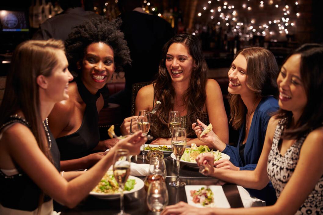 Träffa singelkompisarna och gör er av med prylar ni förknippar med era ex.