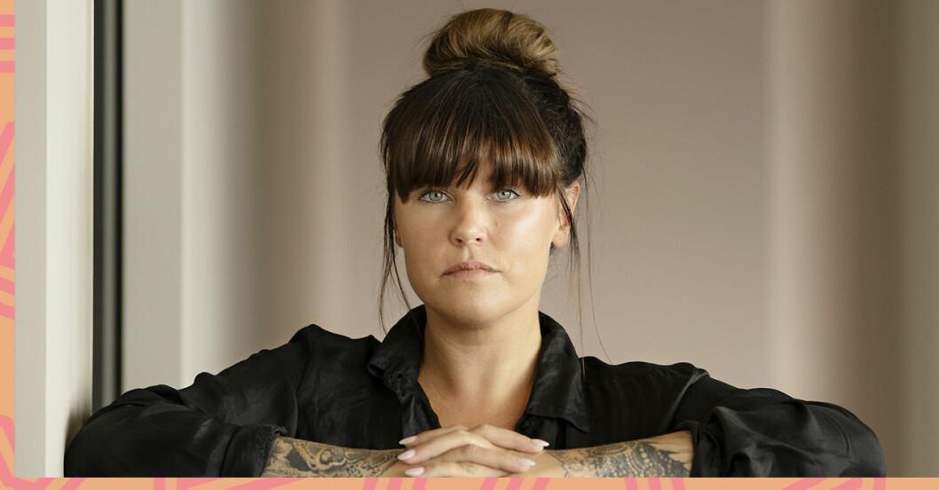 Mia Skäringers ilska mot Alex Schulman och Sigge Eklund som tror hon drabbats av hybris!