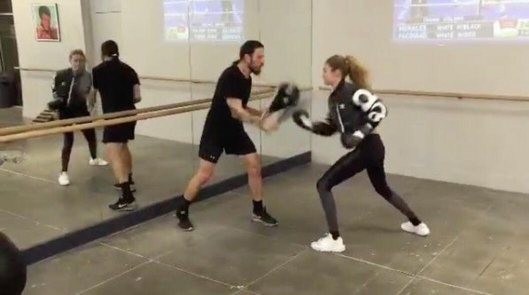 Gigi Hadid boxas