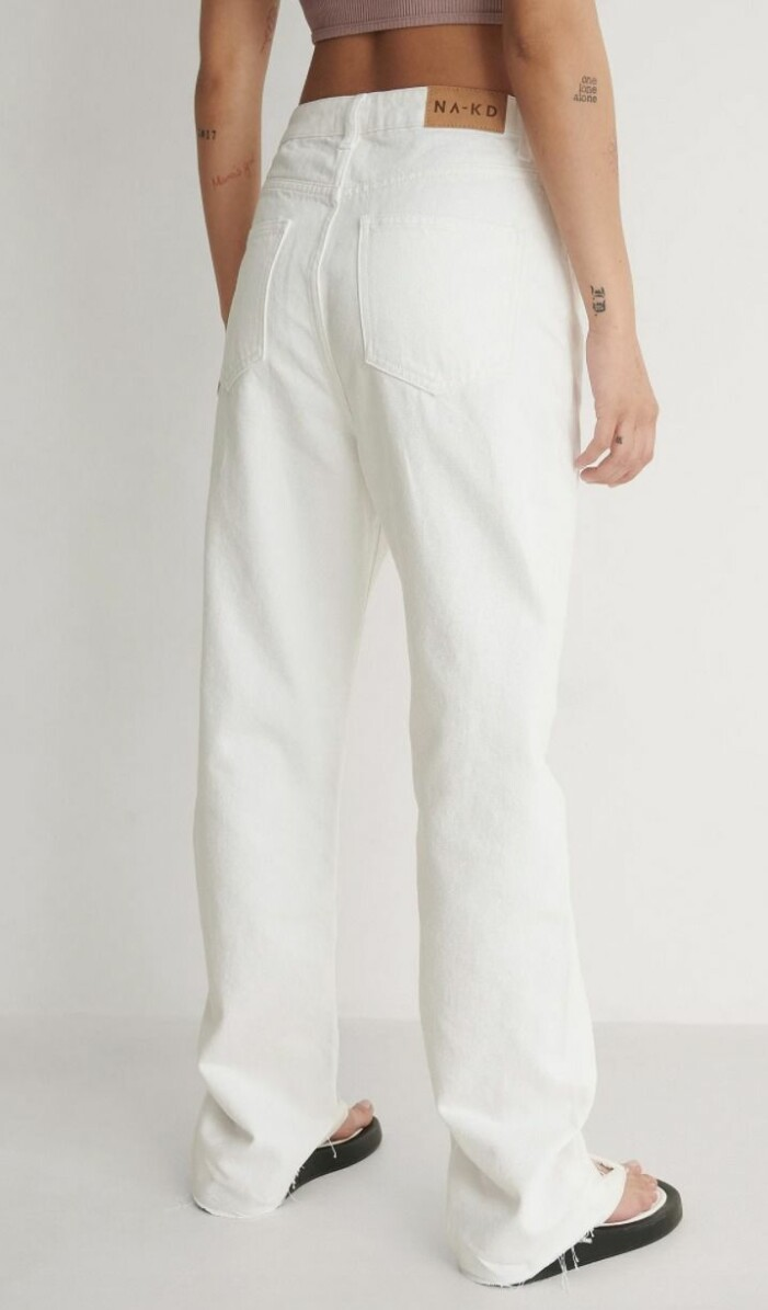 vita vida jeans från na-kd