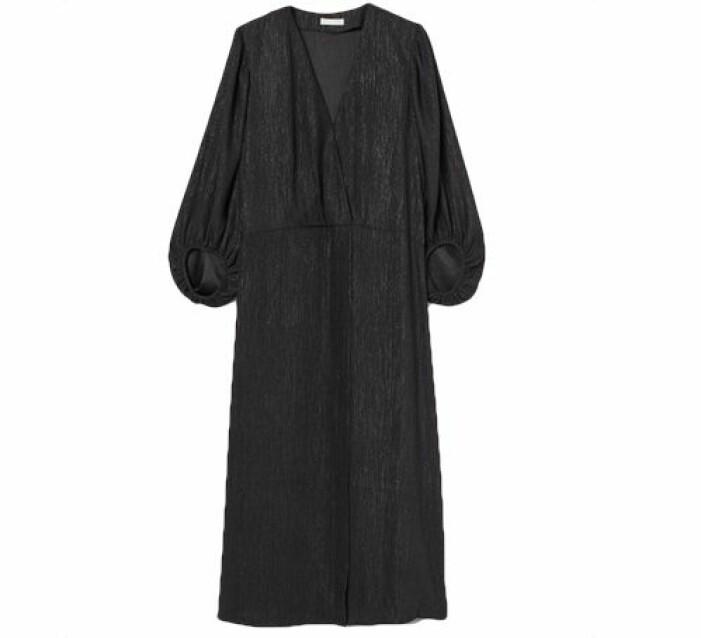 Skimrande omlottklänning från H&M