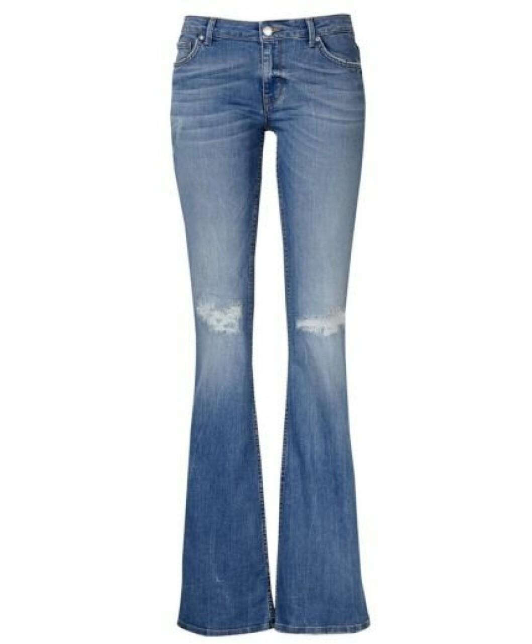 slitna utsvängda jeans