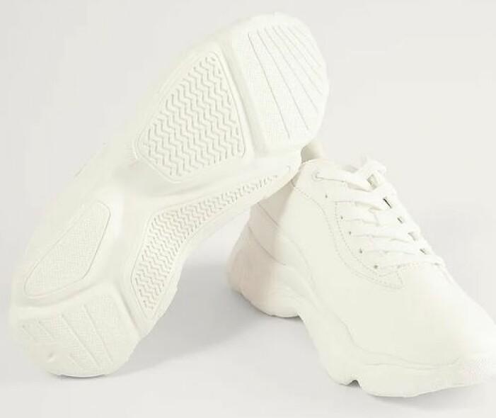 Vita sneakers från NA-KD