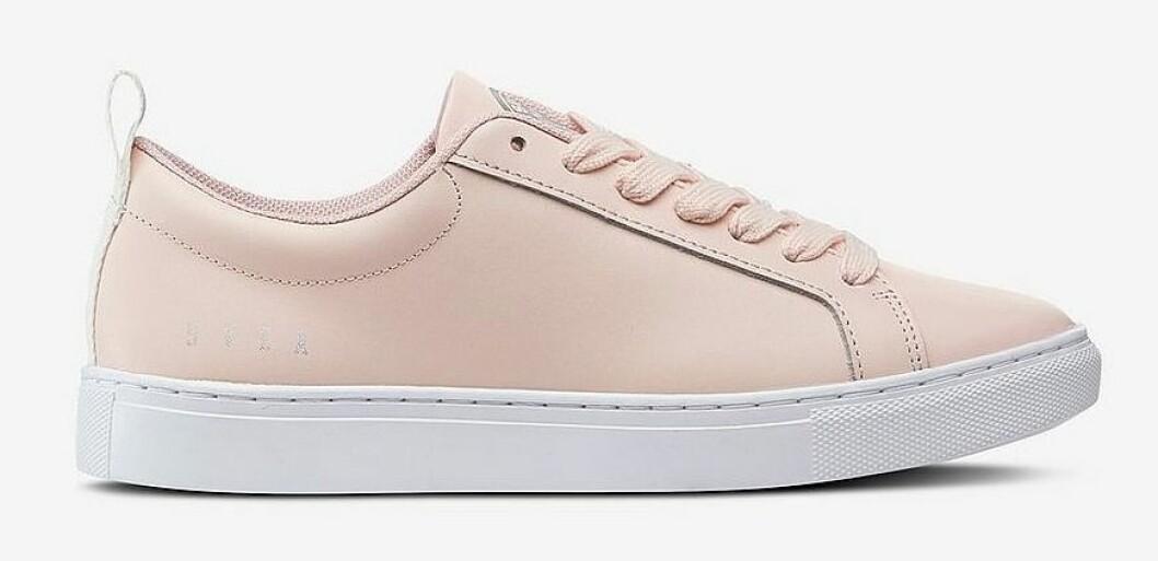Korallfärgade sneakers till dam från Svea för våren 2019