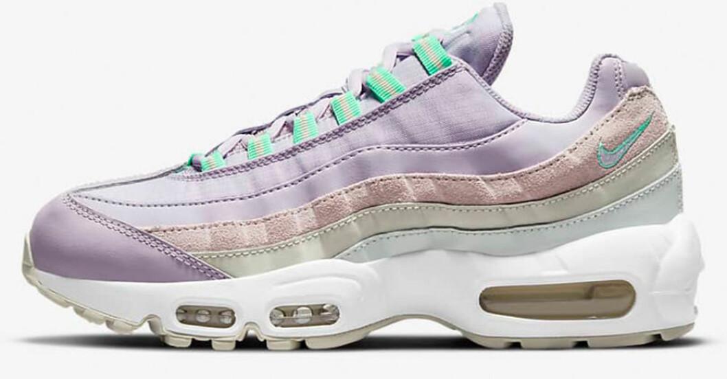lila air max sneakers från Nike
