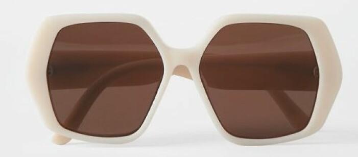 Sexkantiga vita solglasögon från Carin Wester