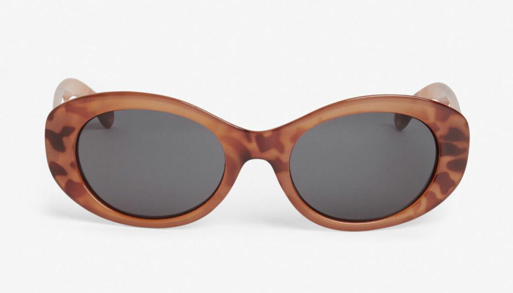 Billiga solglasögon i oval modell för dam till 2020