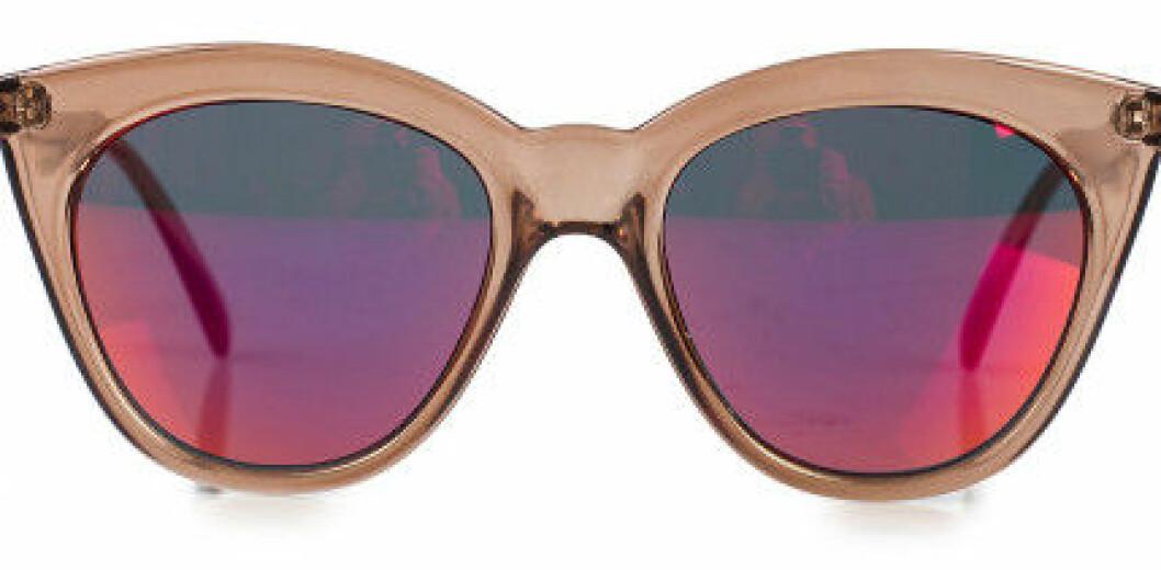 solglasögon fargade glas