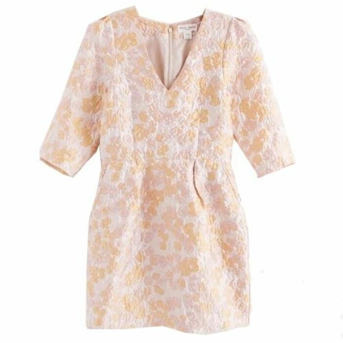 Kort jacquardklänning rosa från Lindex