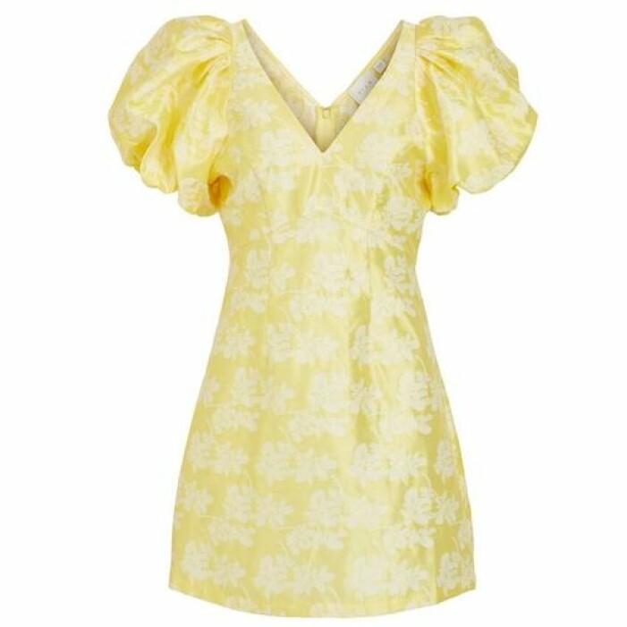 Gul klänning med puffärm från Vila