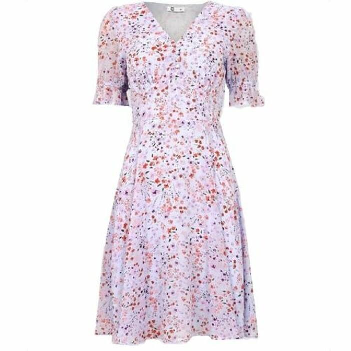 Lila klänning med knytning baktill från Cubus