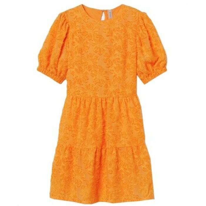 Orange klänning med öppen rygg från H&M