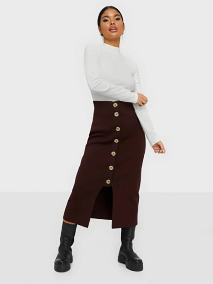 Stickad kjol från Dagmar