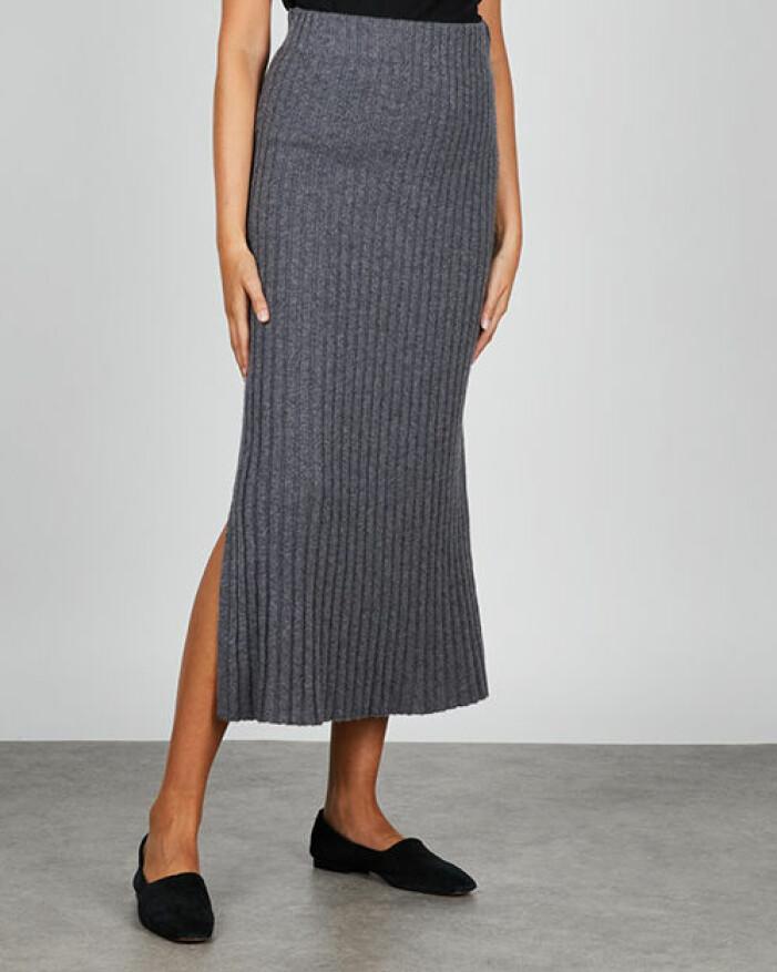 Stickad kjol i kashmir från Lisa Yang