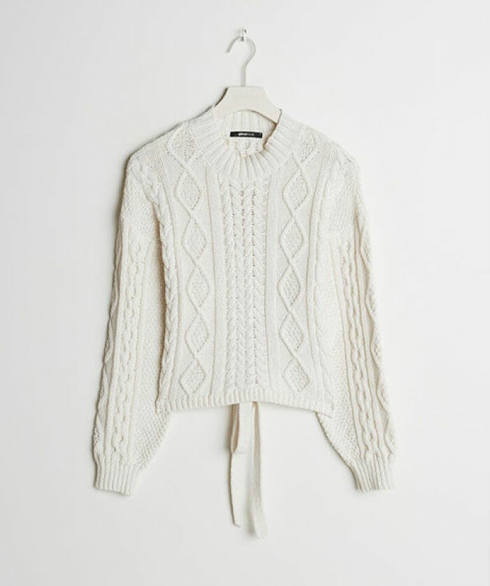 Stickad tröja med öppen rygg från Gina Tricot