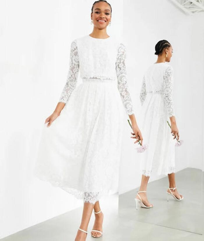 Vit lång spetsklänning från Asos