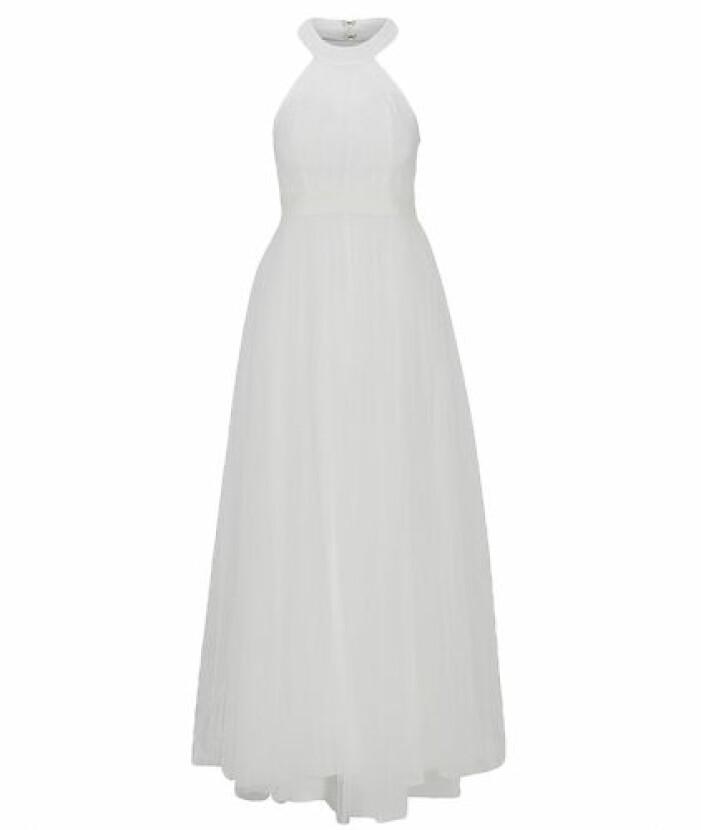 student 2021 Vit tyllklänning i halterneck-modell från Y.A.S.