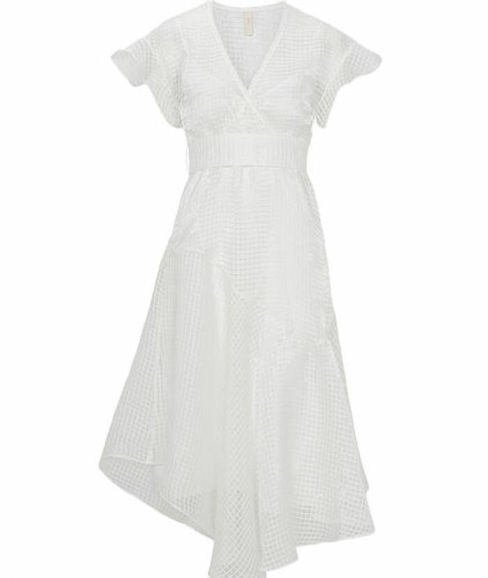 student 2021 Vit medellång klänning med klockad arm från Y.A.S.