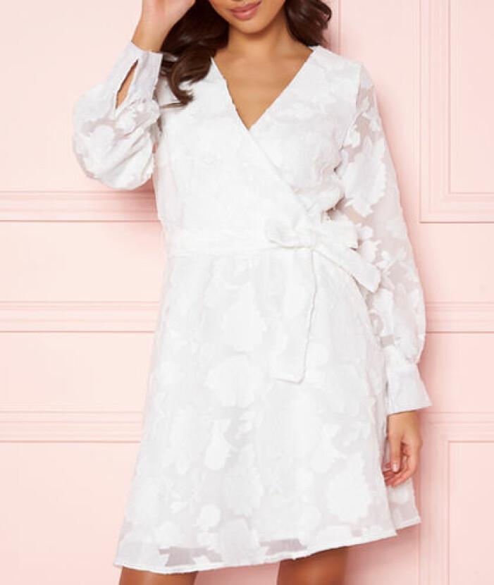 Studentklänning vit omlott