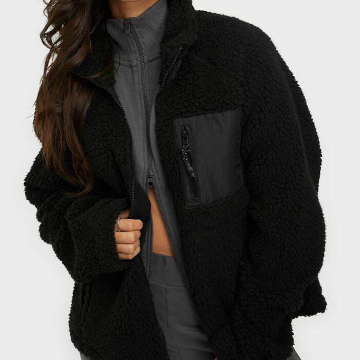 svart fleece noicy may