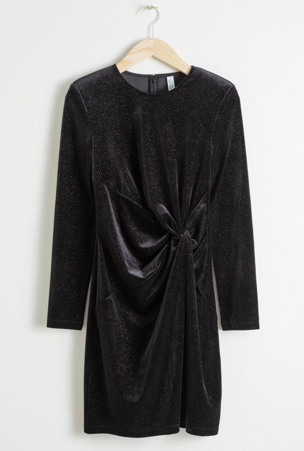 Svart glittrig klänning till nyår