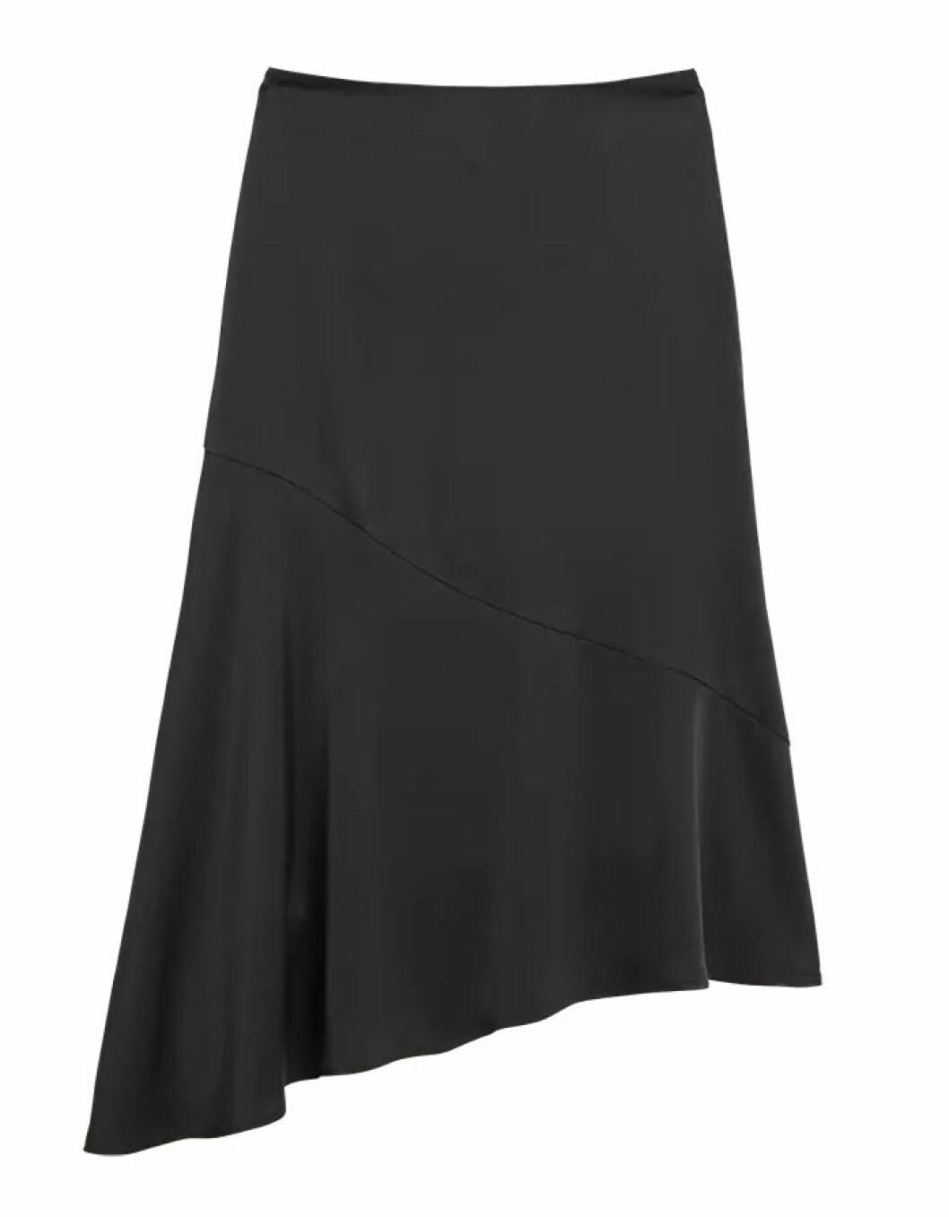 Svart kjol till hösten