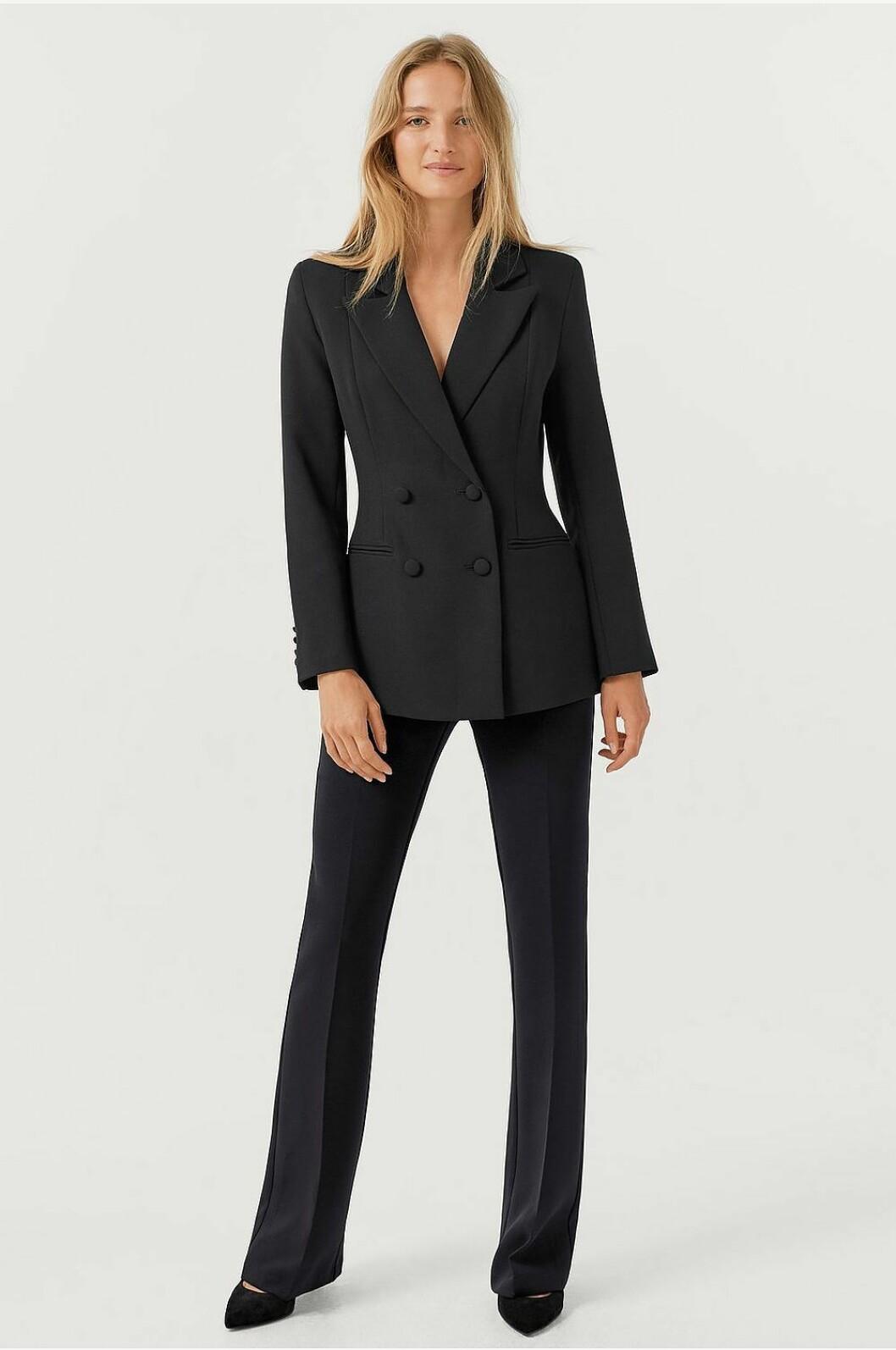 Svart kostym för dam till festen 2019