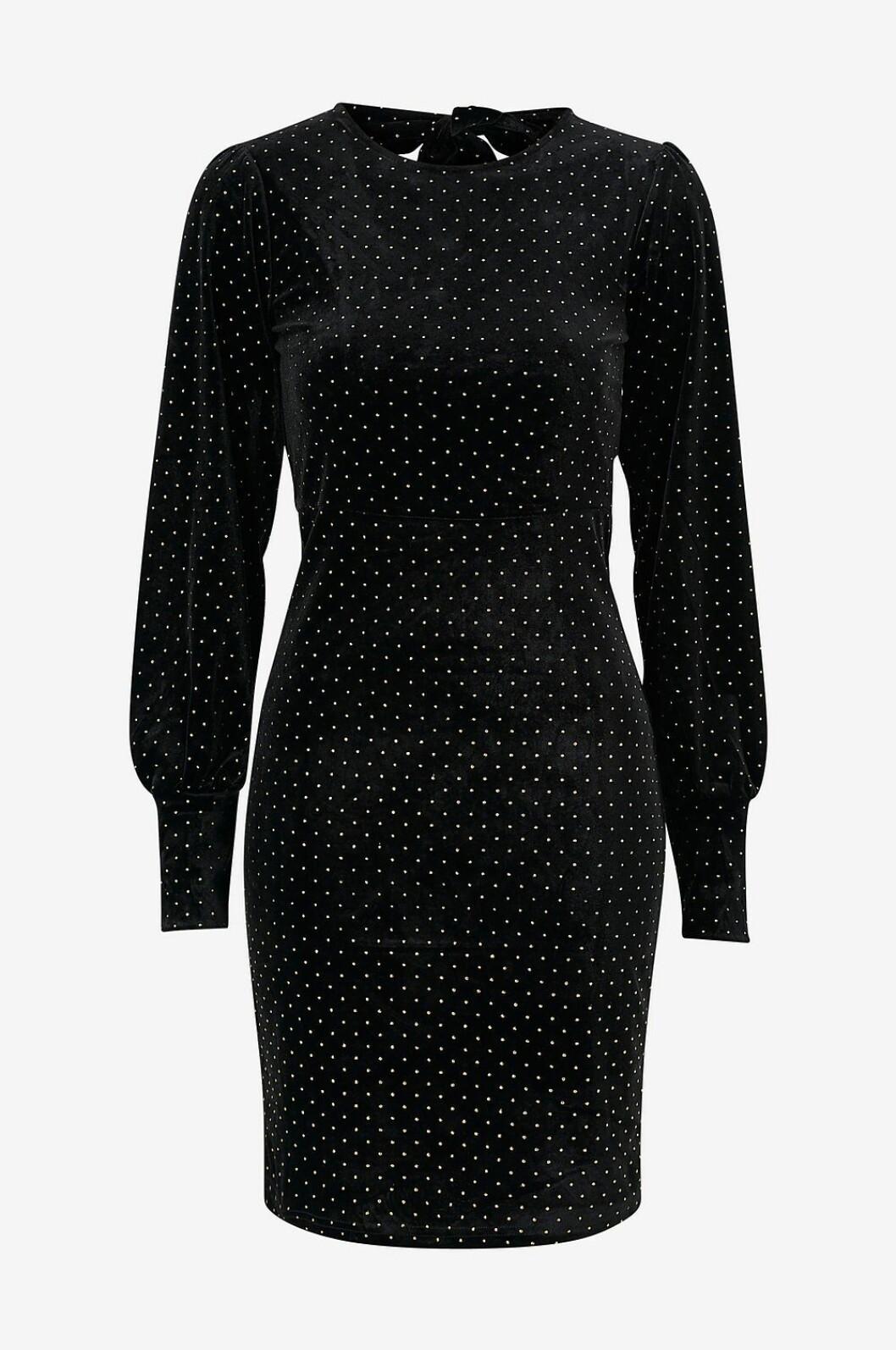 Svart sammetsklänning för dam till nyårsafton 2019