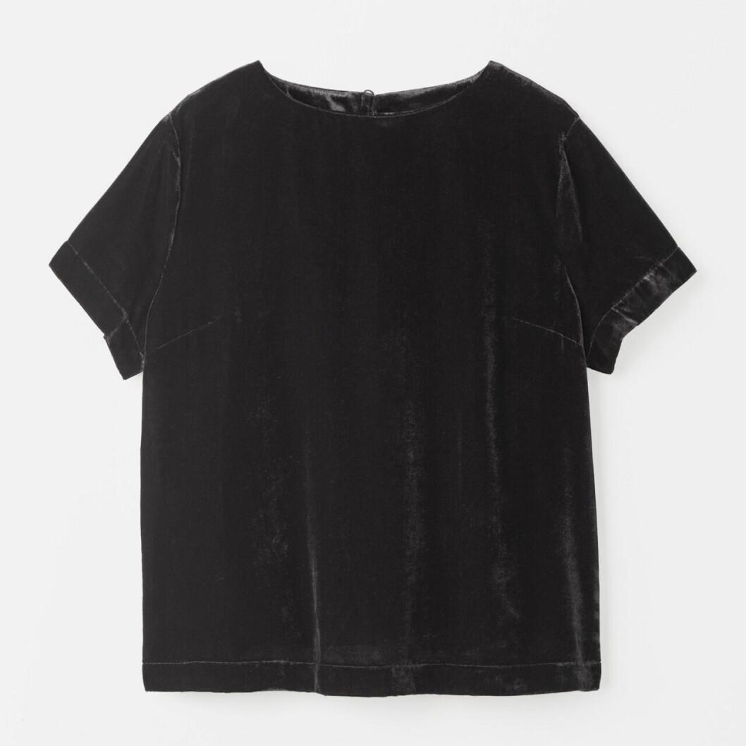 Matchande set: Svart t-shirt i sammet