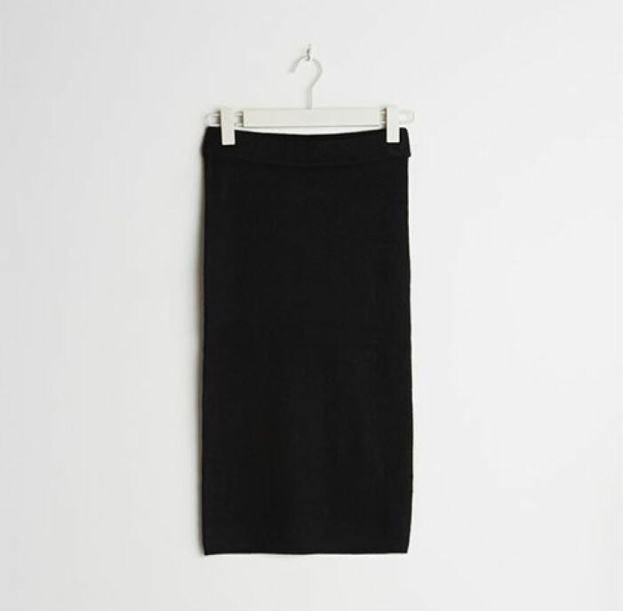 Svart stickad kjol från Gina Tricot