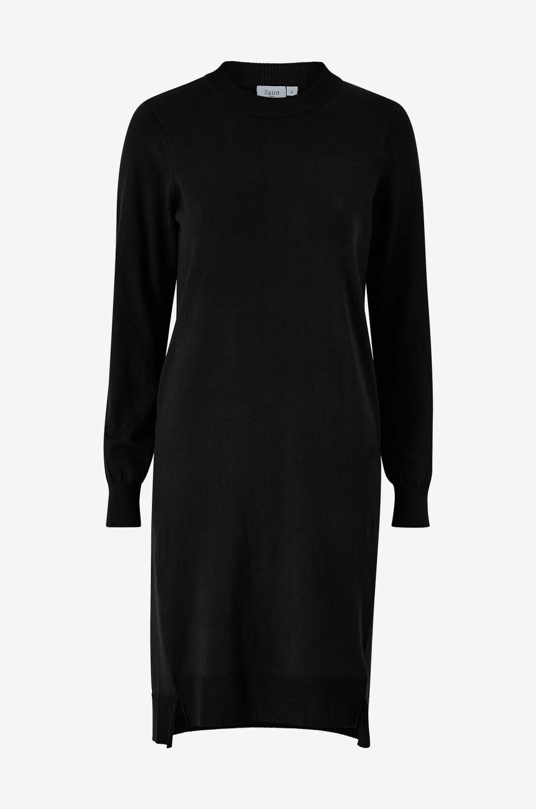 Svart stickad klänning för dam till hösten 2019