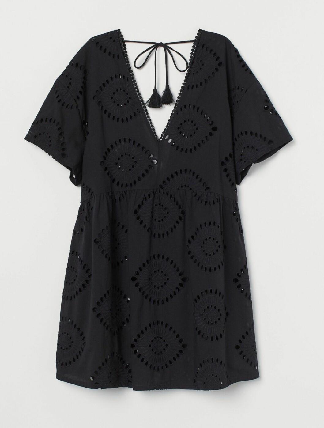 Svart strandklänning från H&M till 2020
