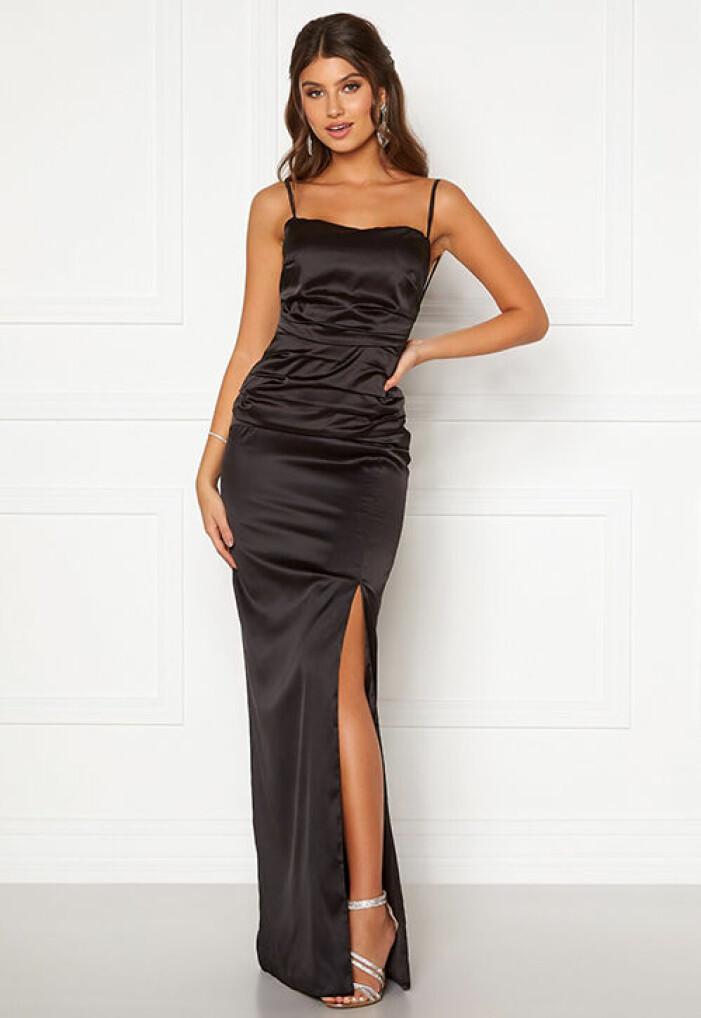 svart tight balklänning