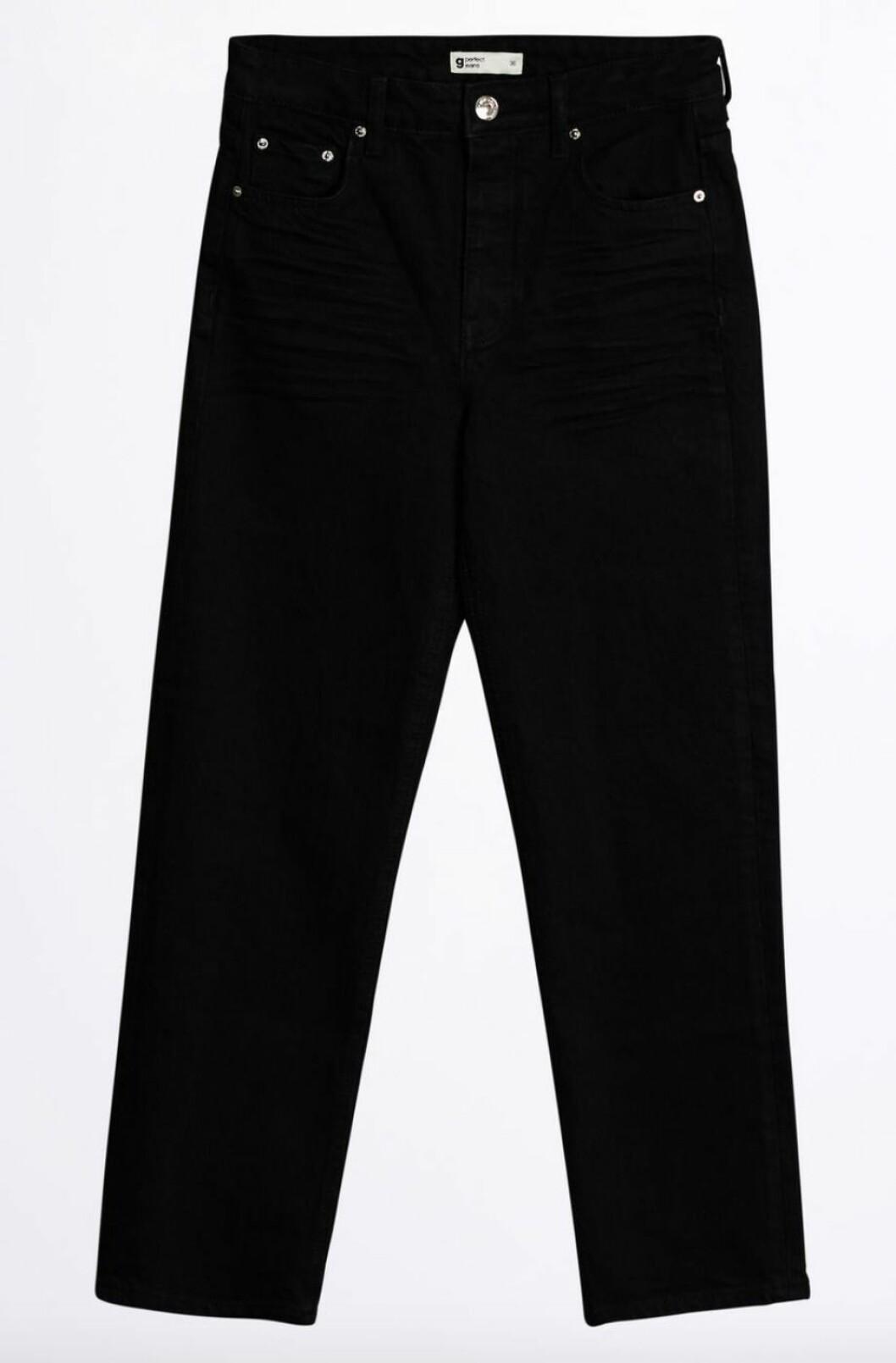 Svarta jeans i rak modell till våren 2019