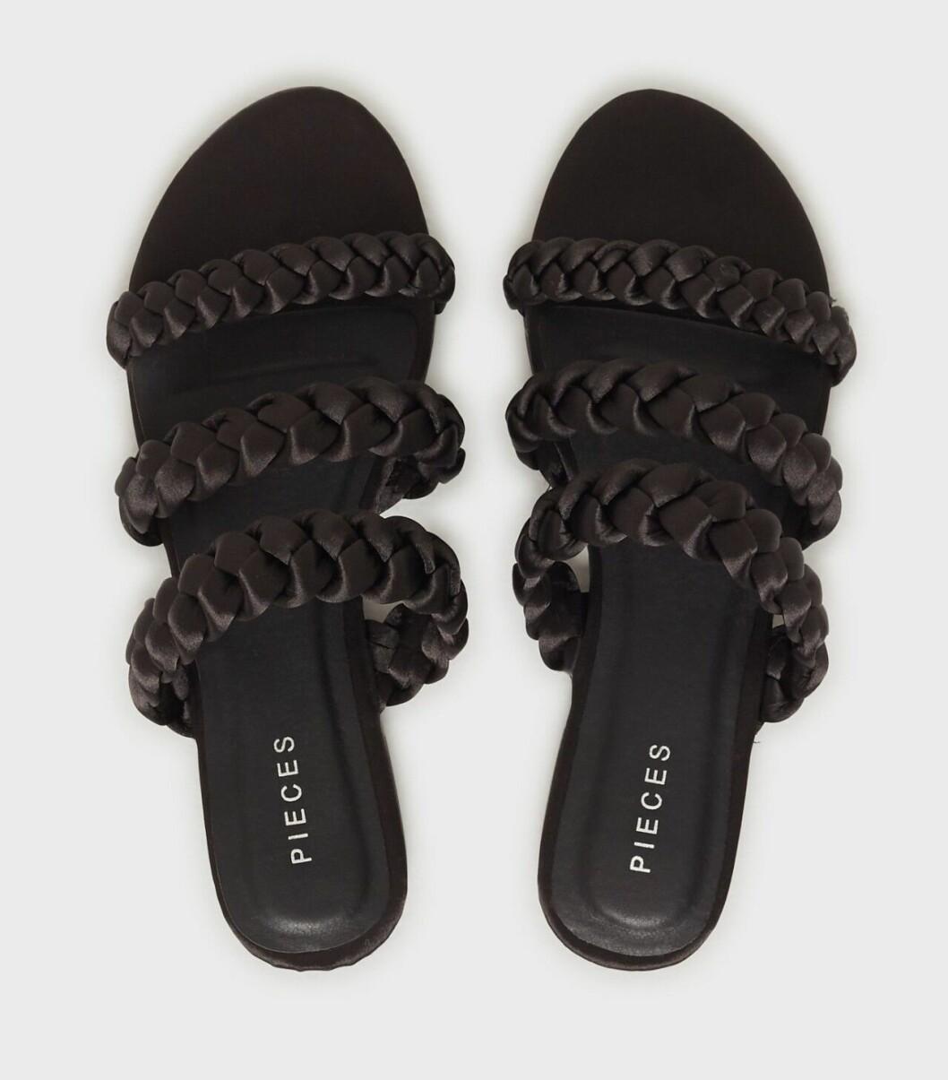 Svarta flätade sandaler för dam till 2020