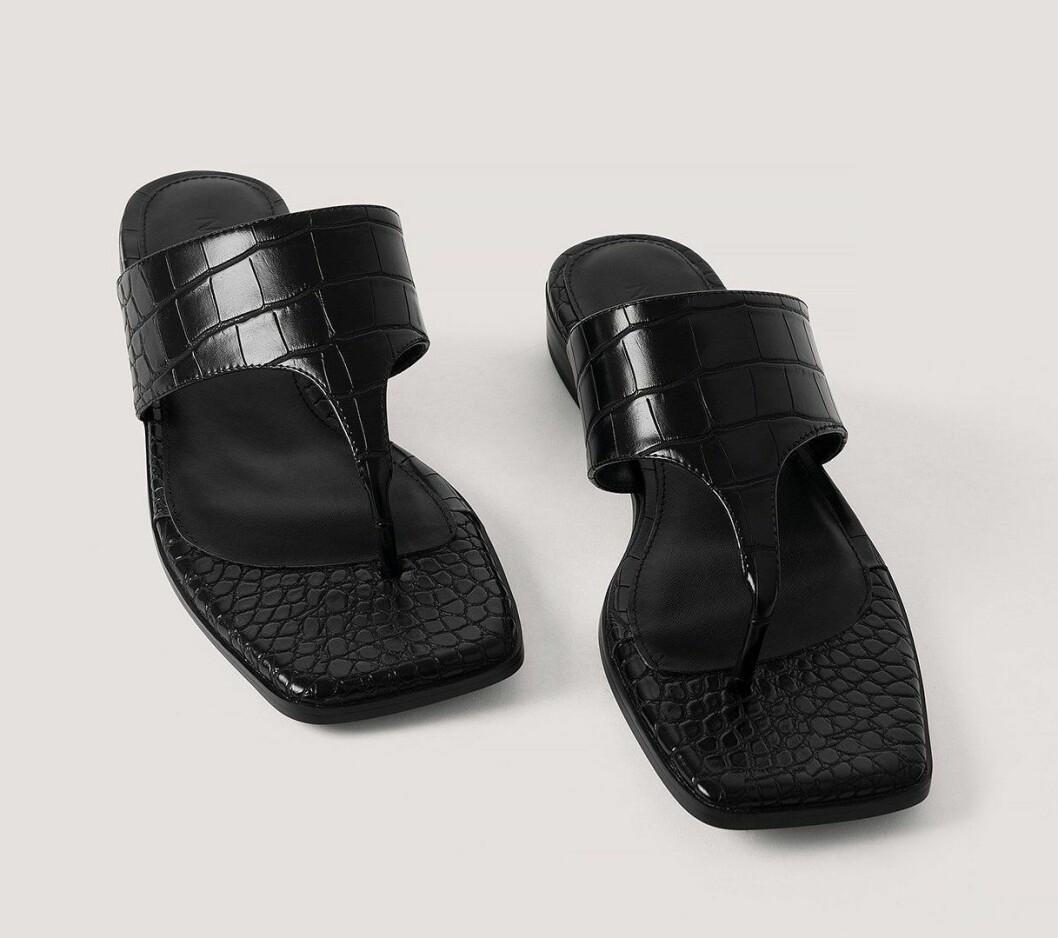 Svarta flipflop-sandaler till billigt pris för dam till 2020