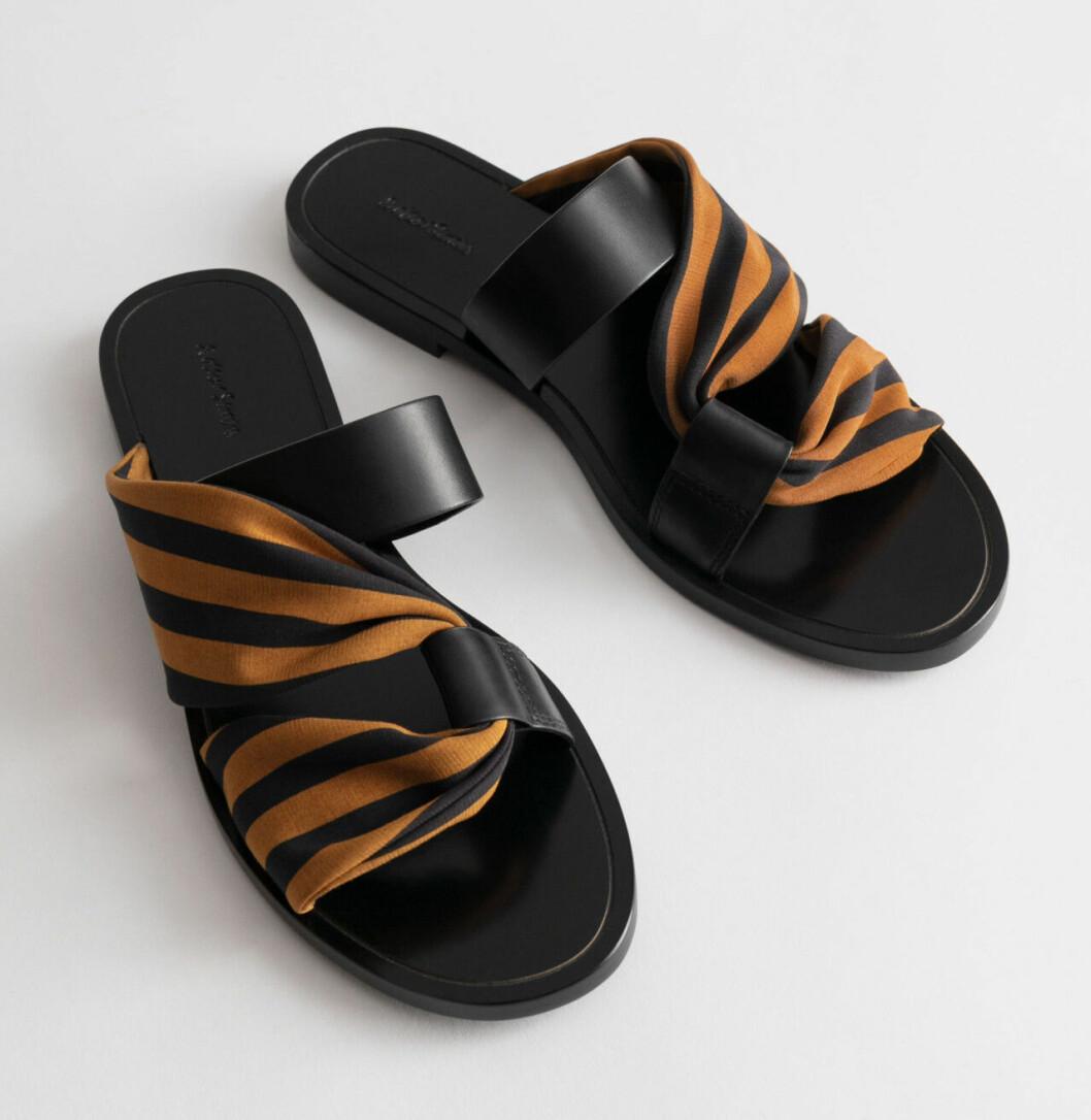 Svarta sandaler med tyg från & Other stories
