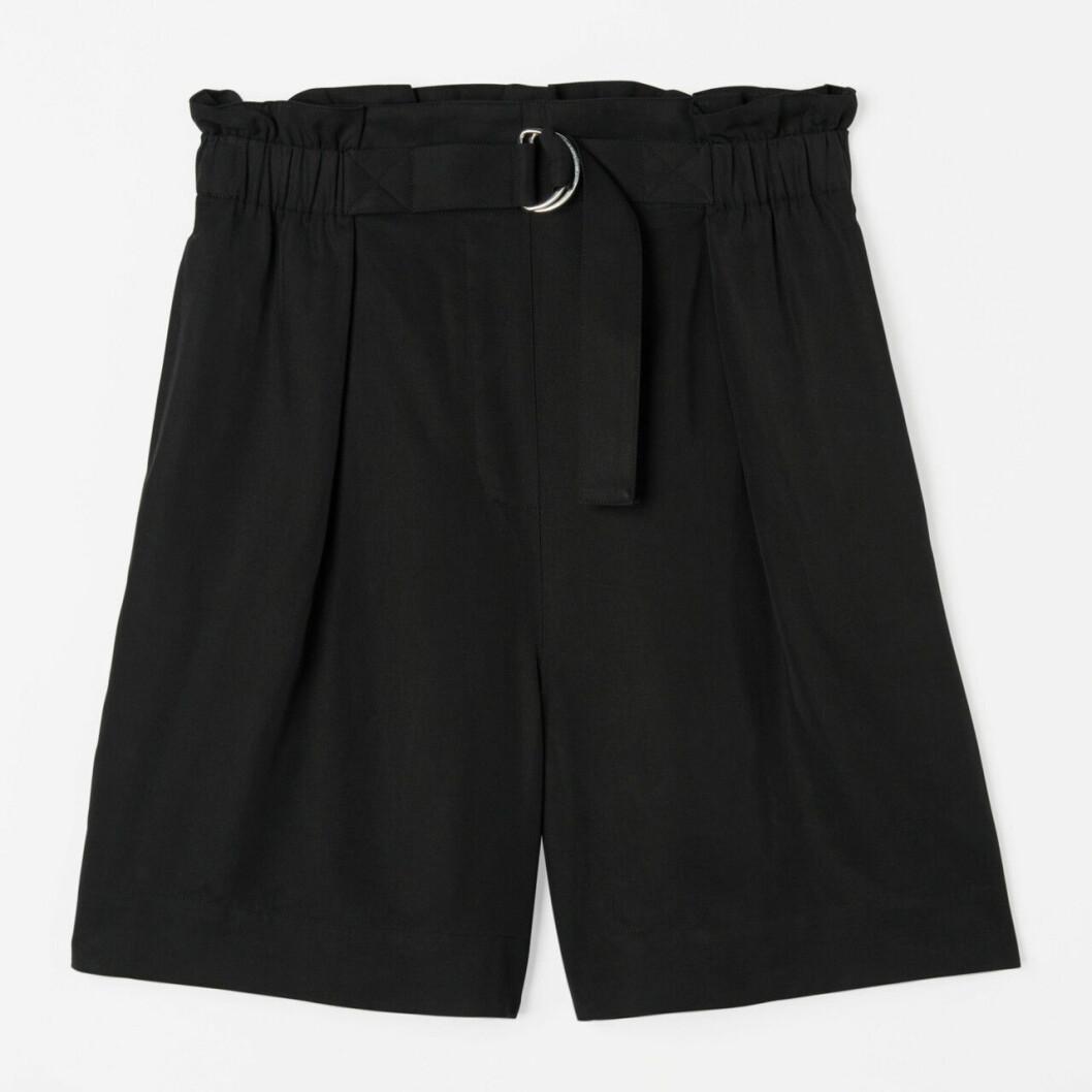 Svarta shorts med hög midja