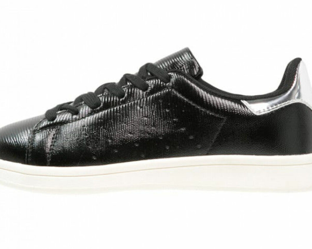 Svarta-sneakers