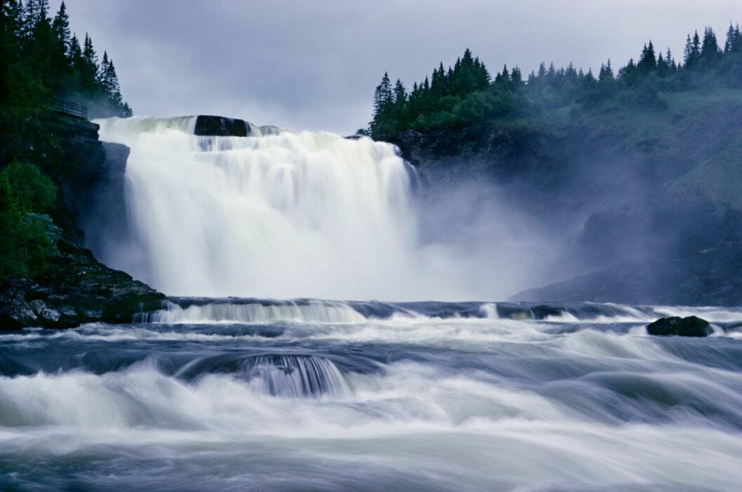 Sveriges största vattenfall, Tännforsen nära Åre.