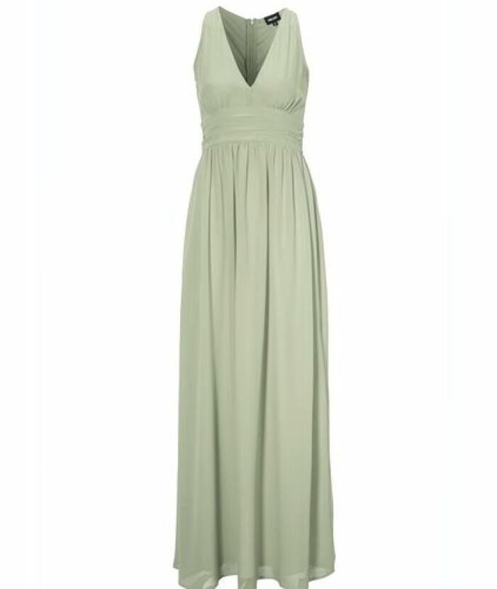 Grön klänning i lång modell till brudtärna
