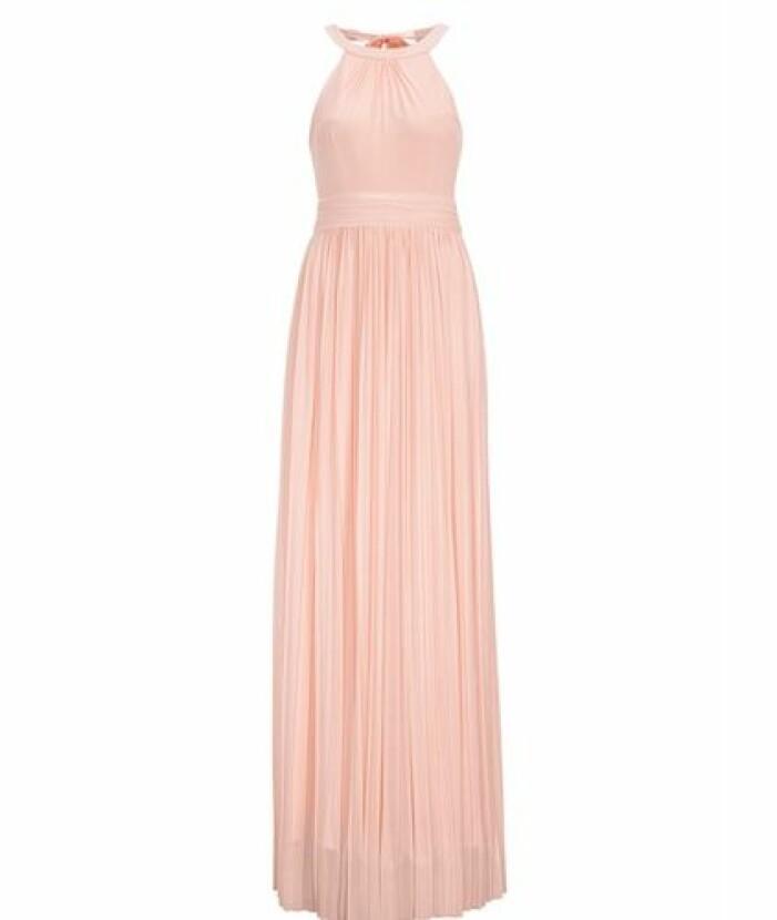 Rosa halterneck klänning till brudtärna