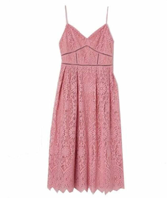 Rosa spetsklänning brudtärna