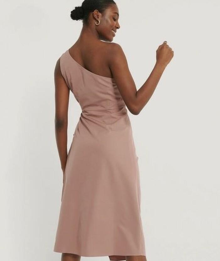 Gammelrosa klänning till brudtärna