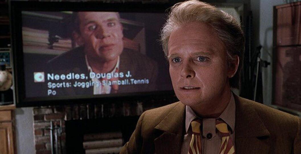 Michael J Fox framför platt skärm