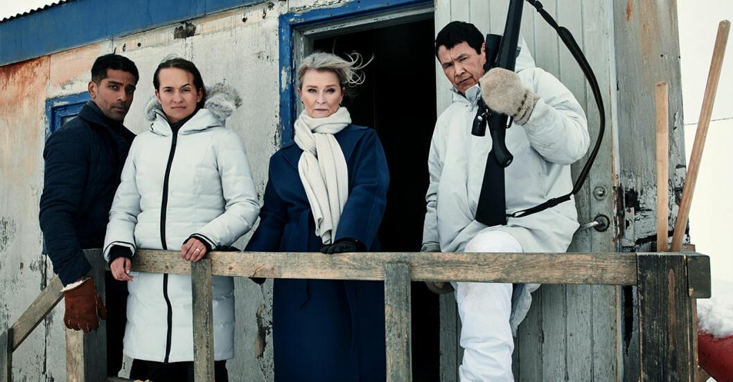 Viktor Karim, Bianca Kronlöf, Lena Endre och Angunnguaq Larsen i Tunn is